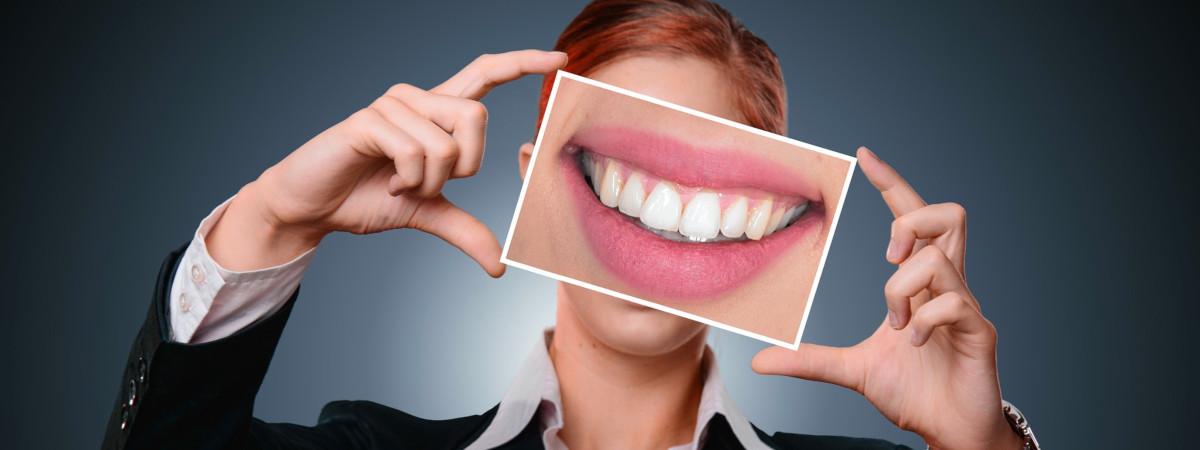 Protetyka - zabiegi: protezy, korony i mosty zębowe, protezy na implantach, implanty zębowe - CARIDENT Milanówek