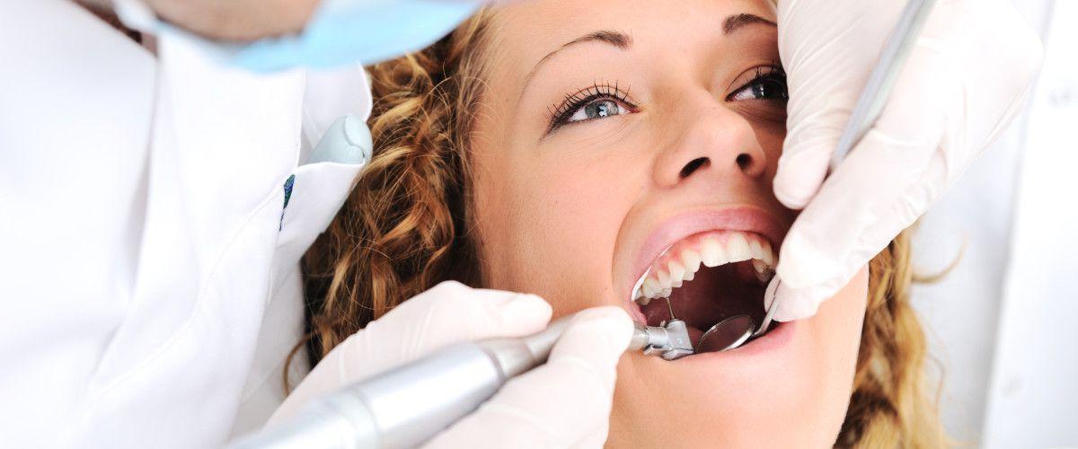 Chirurgia stomatologiczna - usunięcie, wyrwanie, ekstrakcja zęba, ósemki, korzenia zęba - Carident Grodzisk Mazowiecki